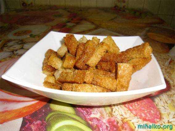 Домашні сухарики із чорного хліба. Рецепт.